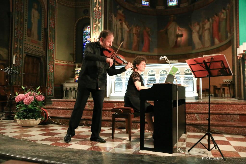 Zacchary Pourtzeladze au violon et Anne Marty au piano en l'église de Bagnères de Luchon
